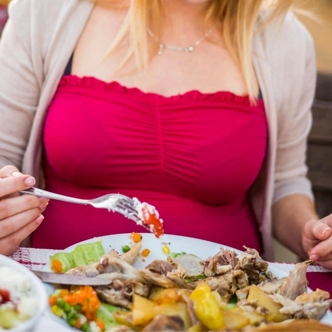 Manger enceinte dans une brasserie